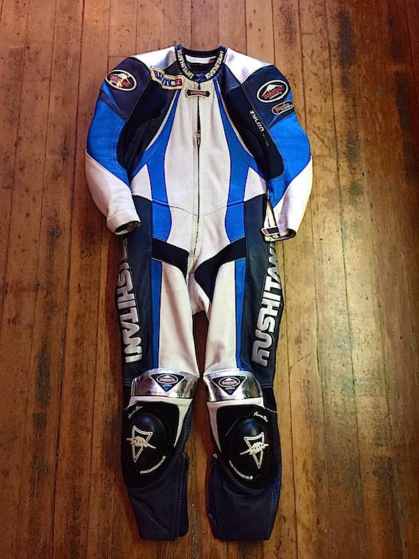 Kushitani Suit Front